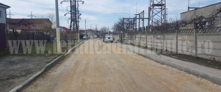 Se asfaltează și se lărgește strada Nucilor (galerie foto)