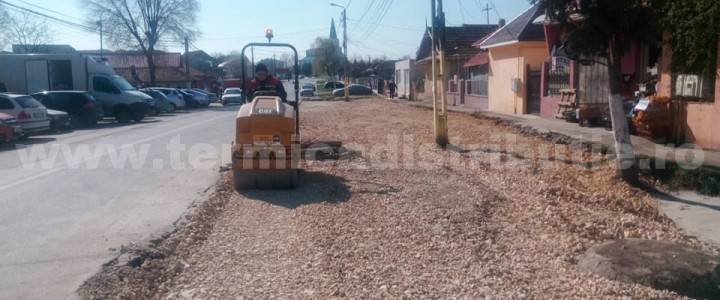 Parcare și trotuare (zona Școala Grigore Moisil) – str. Plopilor (galerie foto)